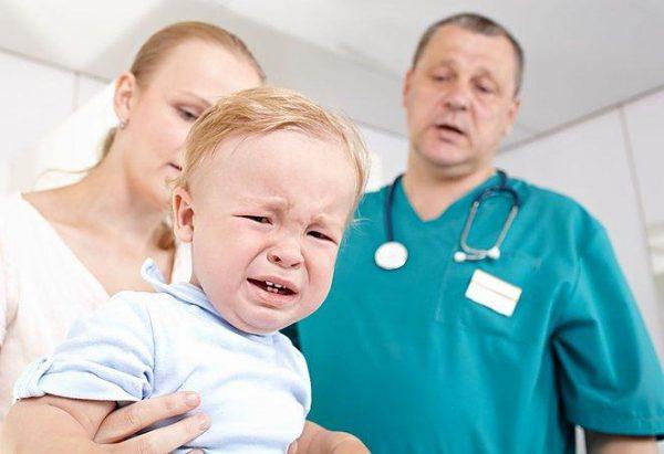 Нельзя заниматься самолечением, так как аскариды очень опасны для детского организма