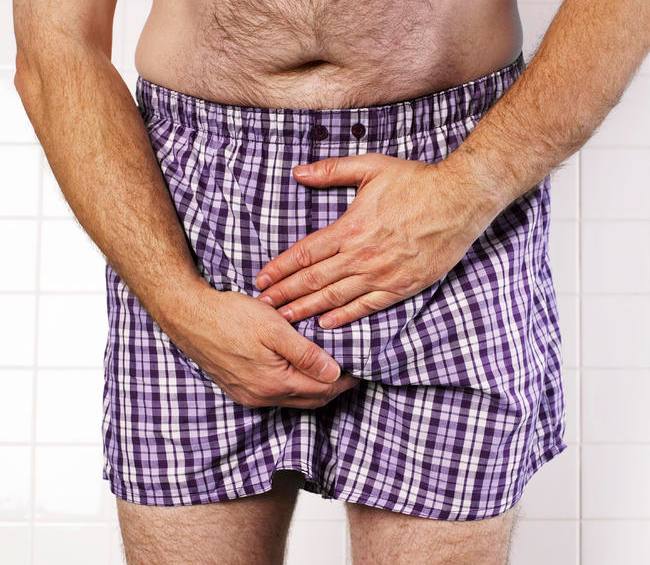 При первых же симптомах следует незамедлительно обратиться к врачу