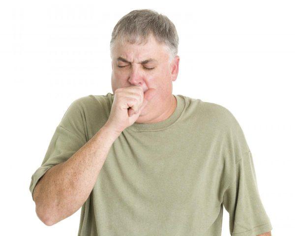 Симптомы заболевания напоминают таковые при бронхиальной пневмонии