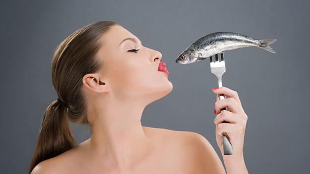 Заражение человека описторхозом происходит через рыбу, которая является носителем паразитов