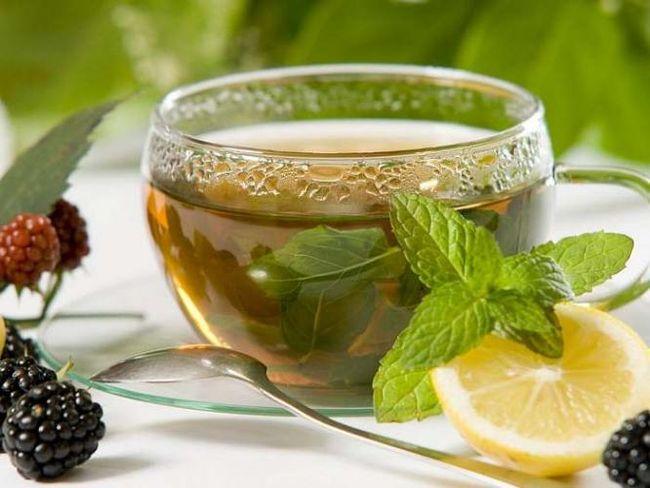 На восстановительной стадии хорошо помогает чай из мелиссы и мяты, который налаживает пищеварение