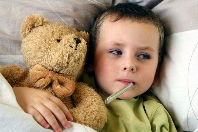 Процедура введения штаммов вируса в детский организм безопасна, а сама вакцина поможет предотвратить возникновение множества опасных болезней