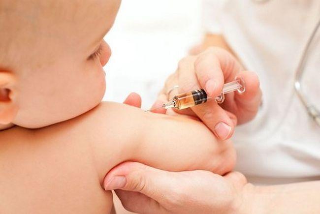 Вакцинация от дифтерии ежегодно спасает тысячи детей от этой страшной инфекции
