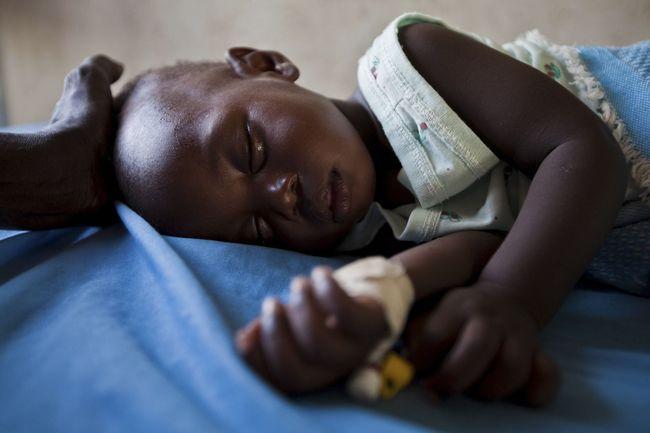 При первых симптомах малярии необходимо пройти полную диагностику и сдать все анализы