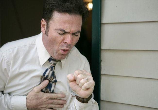 Симптомы легочного типа сибирской язвы похож на грипп и сопровождается кашлем