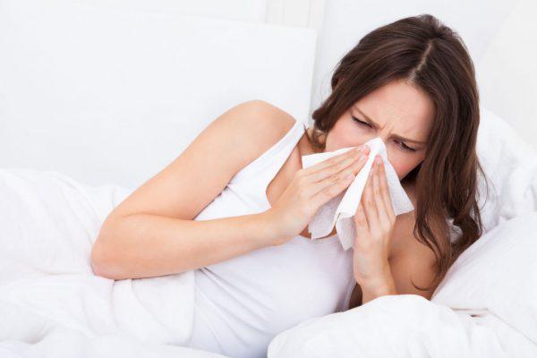 Если у вас появились первые симптомы гриппа, лучше всего как можно скорее обратиться к врачу, не следует заниматься самолечением - это может быть чревато осложнениями