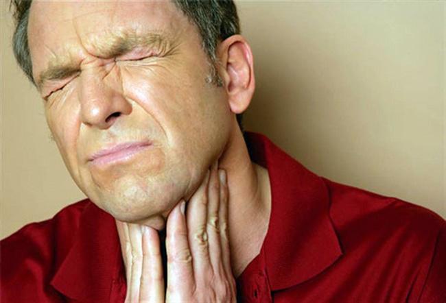Ангина – заболевание инфекционного характера, также носит название тонзиллит. Может быть вызвана вирусной, бактериальной либо грибковой инфекцией