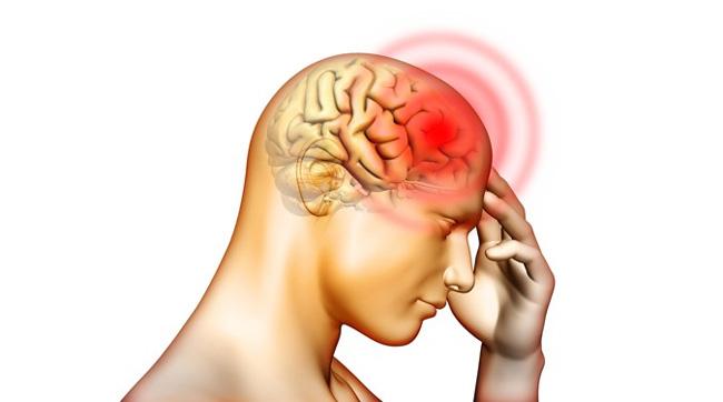 Причина возникновения менингита - попадание в мозг человека инфекционного возбудителя