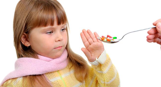 Для лечения энтеровирусной инфекции, антибиотики не используются, так как организм поражен вирусом