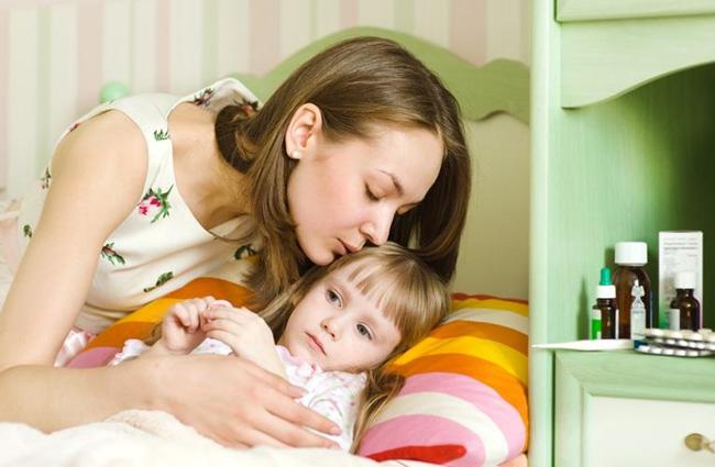 Анаферон детский применяют при появлении первых симптомов простудных заболеваний, а также для их профилактики
