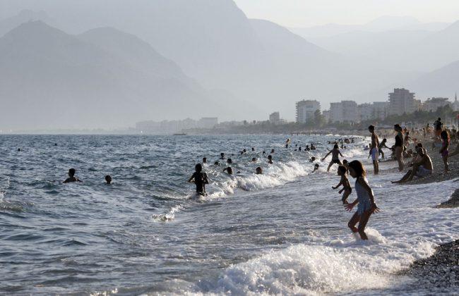 В Турции гораздо больше шансов подхватить неприятную инфекцию, чем на курортах России. Хотя, на переполненных пляжах в Сочи также можно заболеть этим вирусом