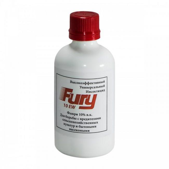 «Фьюри» – инсектицид, который, несмотря опасные вещества в своем составе, с практически стопроцентной вероятностью поможет избавиться от всего того, что мешает развитию капусты и других огородных культур